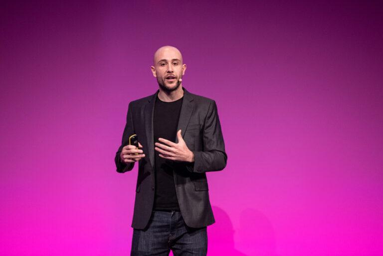 Luca-Mastella-speaker